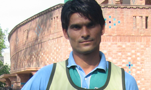 mohammad-irfan-tallest-fast-bowler-cricket.png